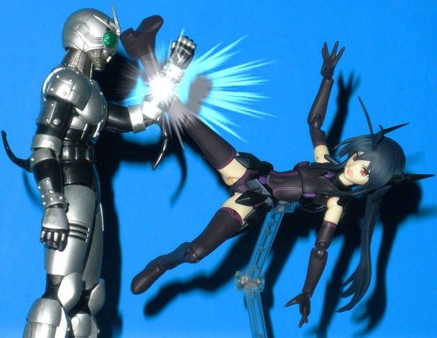 """Kuroyukihime: """"You're WRONG! You shouldn't have to drop your weapons!!"""