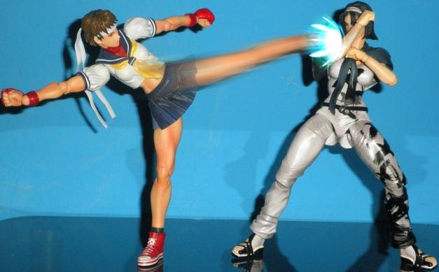 Sakura delivered a kick but Jun manages to block!!