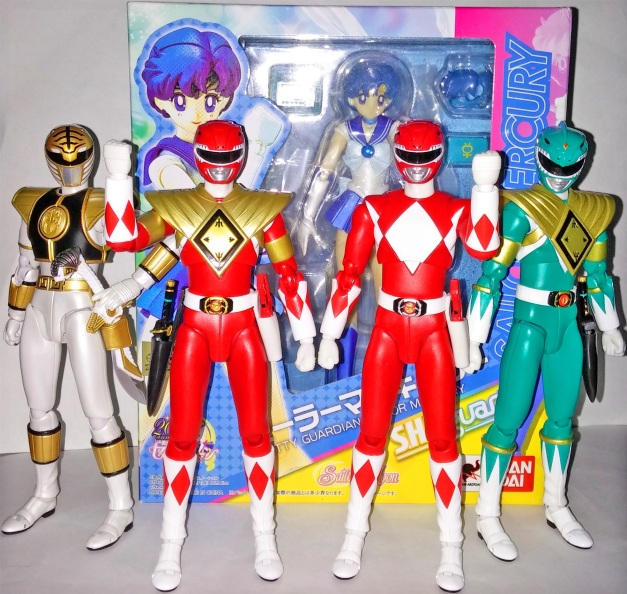 Super Sentai protecting Mercury in the box!