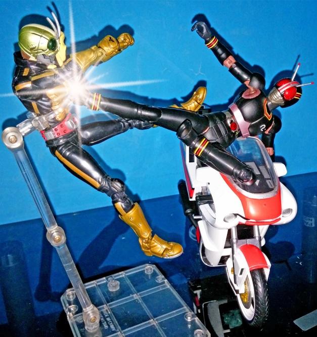 "BLACK: ""RAIDA KIKKU!!"" Shocker Rider: ""AARRGGHHH...."""