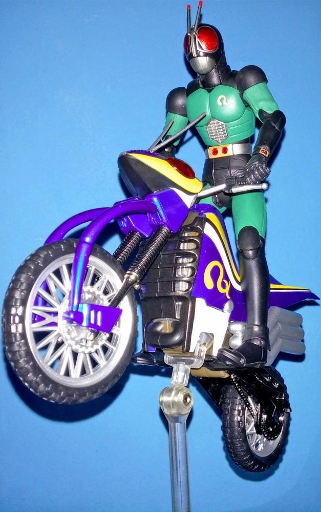 Review: S H Figuarts: Kamen Rider BLACK RX and Acrobatter