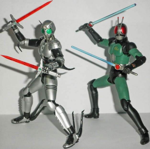 If ShadowMoon wields Twin Sabers, so RX has his Twin Revolcanes