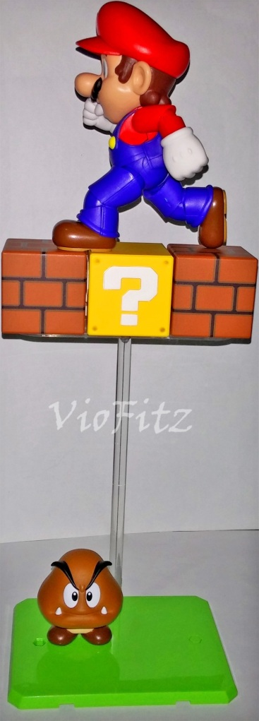 The pole stand was strong enough to hold Mario standing on the blocks.